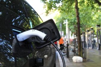 Véhicules électriques: Québec appelé à ne pas encourager «l'obésité routière»